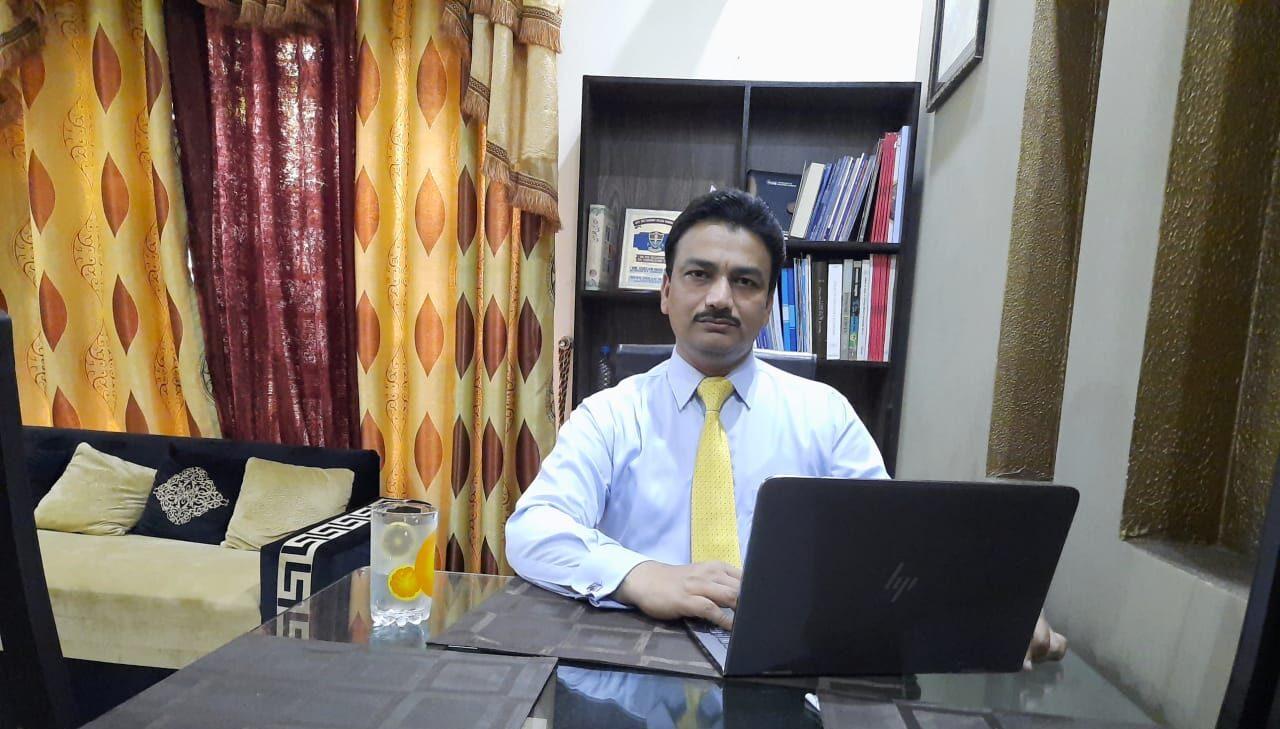 Dr Ghulam Mohey-ud-din Senior Urban Economist Pakistani